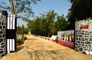 At Franav Farms, Apta Phata